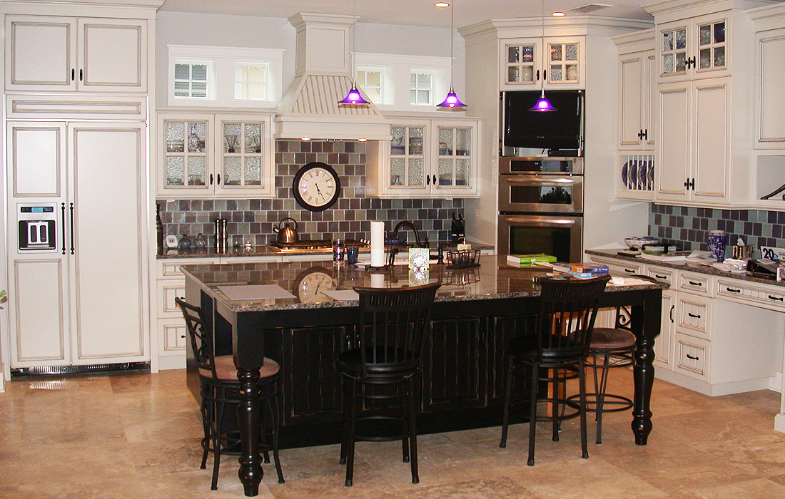 custom-kitchen-cabinetry-4
